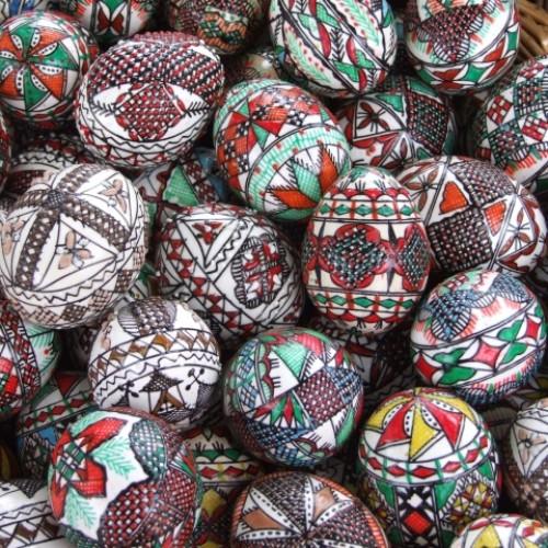 Arta încondeierii ouălor la români