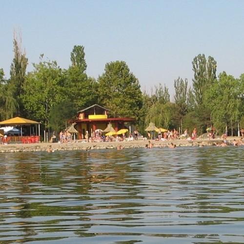 """Amara – O plajă fină, la o """"mare"""" cam amăruie"""