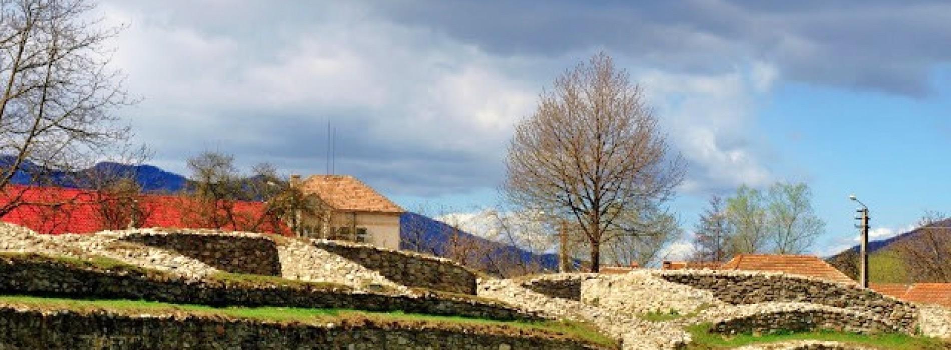 Topul The Guardian aduce in atentia lumii  complexul arheologic Ulpia Traiana Sarmizegetusa