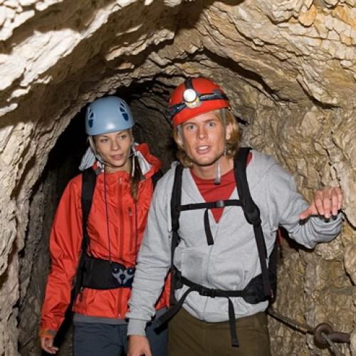 Traseu nou către o peşteră unică în România – Căsoaia lui Ladaş