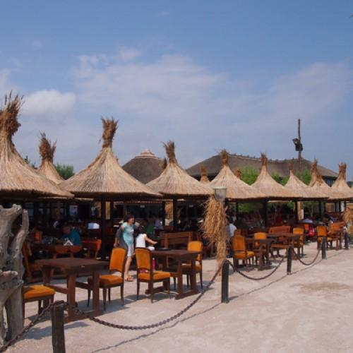 Primăriile vor clasifica hotelurile și vor autoriza plajele