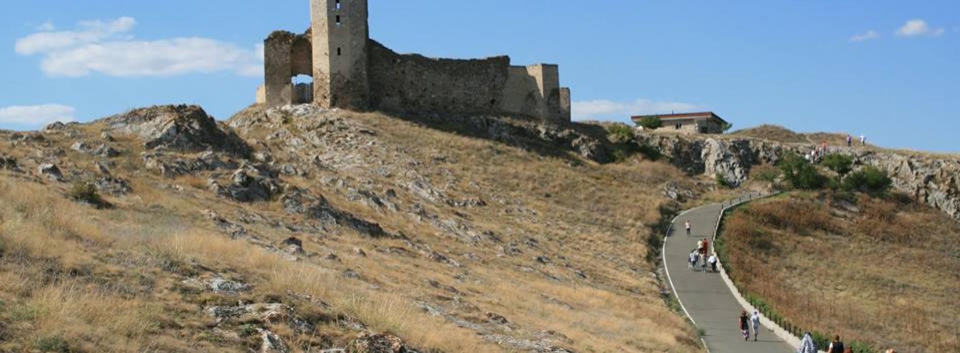 Enisala, cetatea genoveză de la Dunăre
