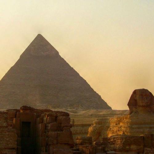 Un nou program de bonusare pentru tur operatorii români, la zboruri către destinații egiptene