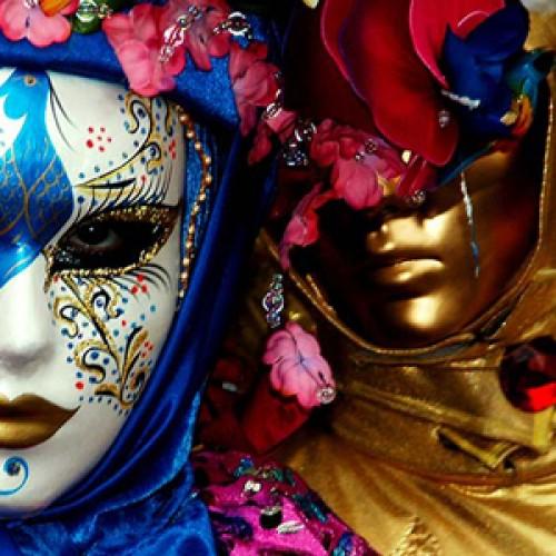 A început carnavalul veneţian!