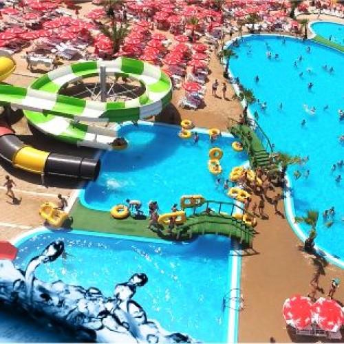 Vedetele se distrează vara aceasta la Eforie Aqua Park