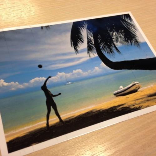O aplicație îți transformă pozele de vacanță din telefonul mobil, în cărți poștale