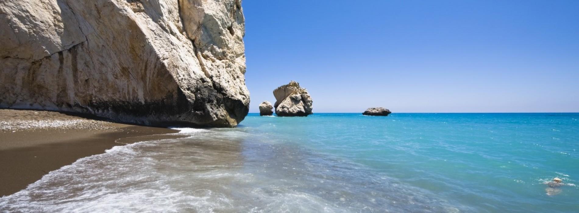Insula Afroditei, împărăția plajelor perfecte