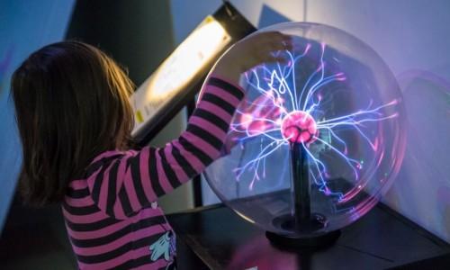 Casa Experimentelor, locul unde știinţa se joacă. Pentru curioși de la 3 la 99 de ani