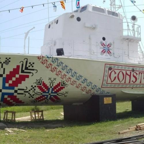 Vapoarele-simbol ale Constanței, transformate în opere de artă urbană