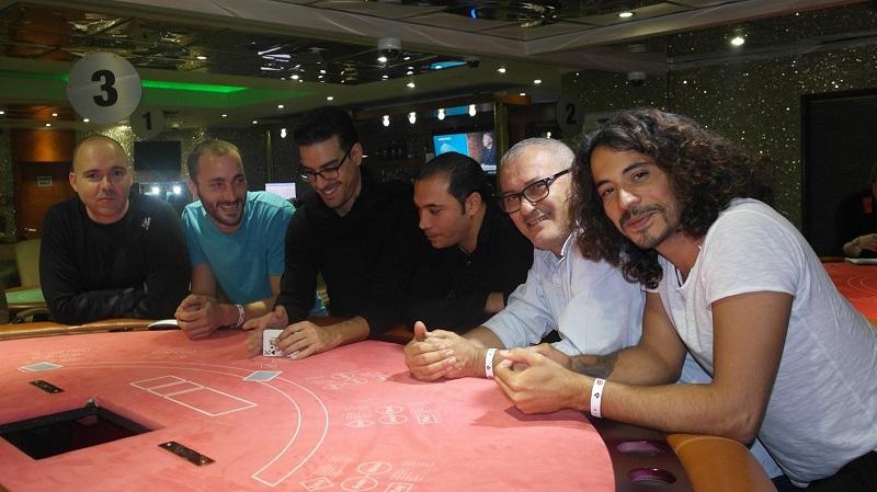 Turismul de poker, între călătorii și competiție la mese