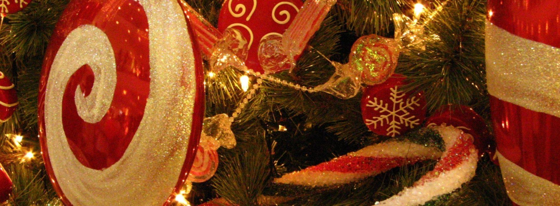 10 teme noi pentru bradul de Crăciun și Sărbători de poveste