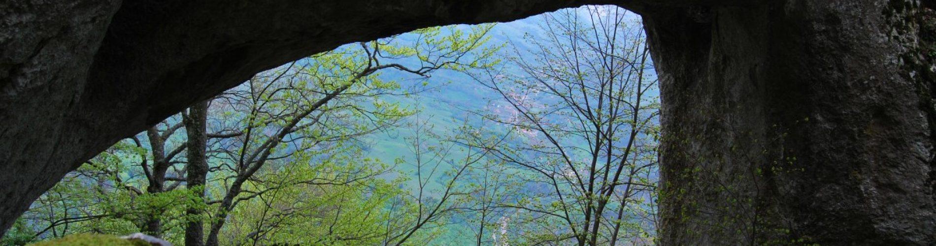 Peșteri de legenda, locuri din piatră care spun povești ce te înfioară