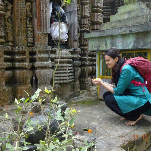 A pornit pe scooter, prin India, spre Templul Soarelui
