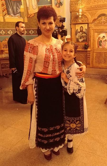 Ana Marina, meșter popular de păpuși, la nouă ani