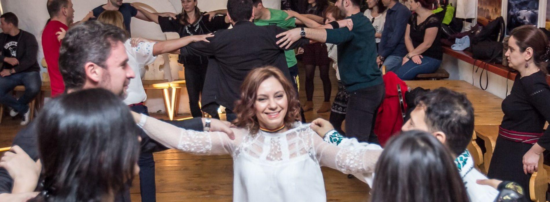 """""""Năframa Amatori"""", școala de dansuri populare unde fiecare antrenament e ca o petrecere"""