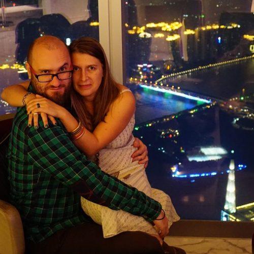 Adriana și Cristi, călători cuunbugetfoartecalculat