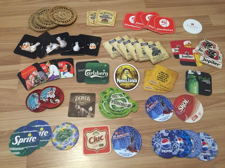 Colecții de prin călătorii: shot-uri, coastere și stickere de pe banane