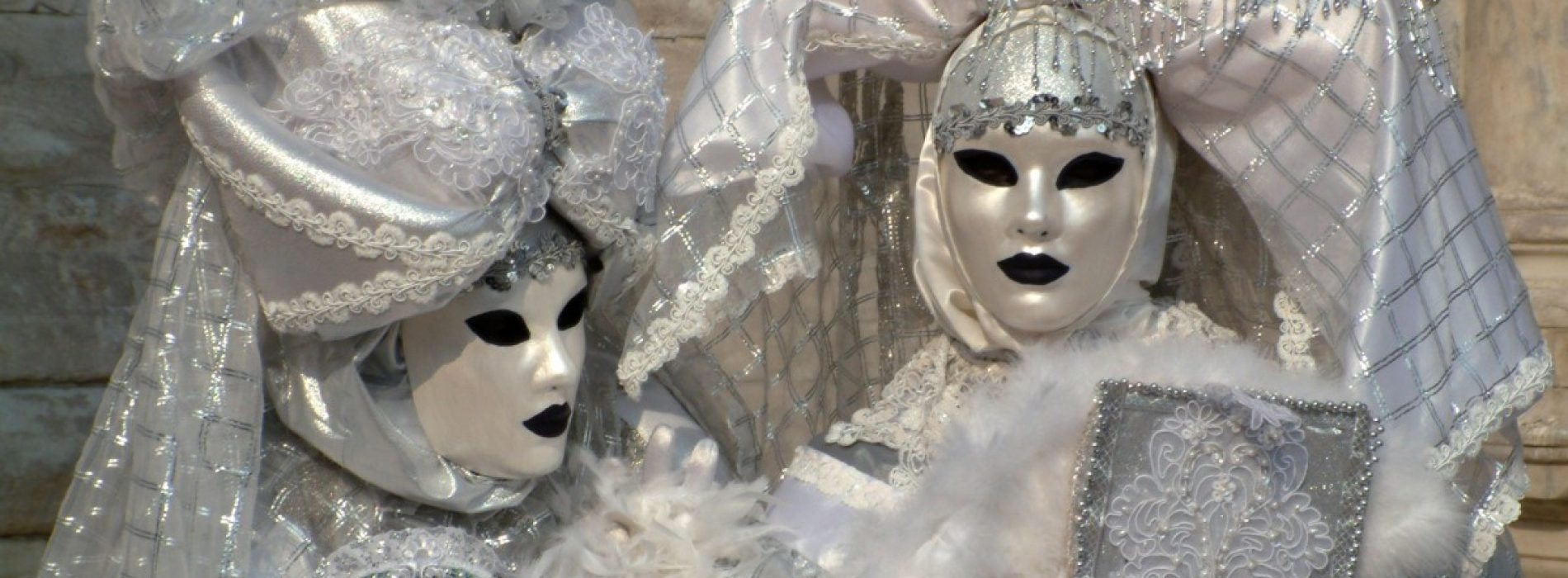 Pregătește masca, Italia e gata pentru cea mai tare petrecere din Europa!