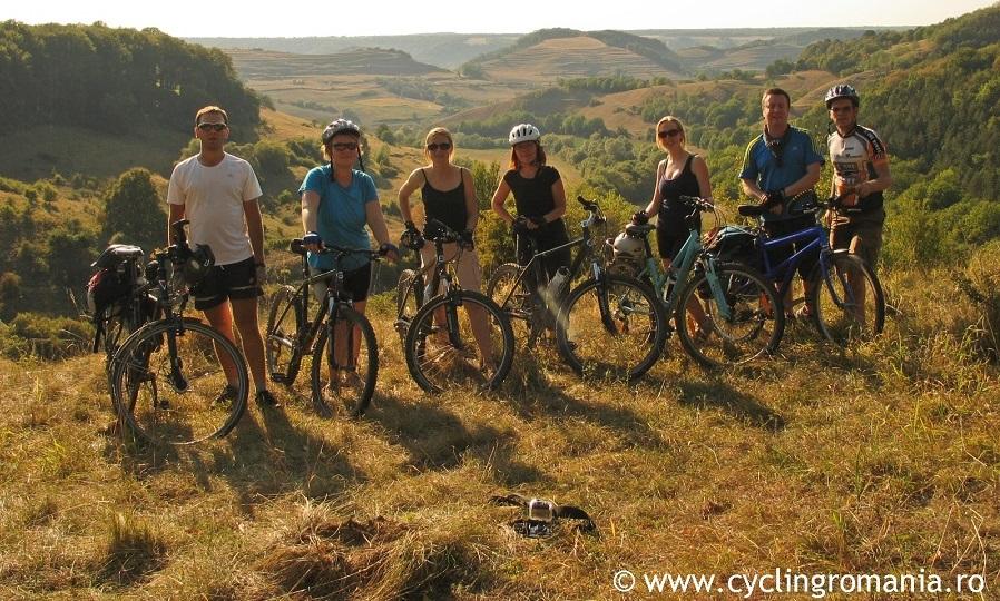 Outhentic Cycling Romania, tururi pe bicicletă prin România autentică