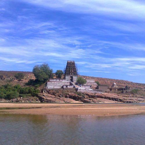 Corespondentul nostru continuă periplul indian:  4  lăcașuri budiste de poveste