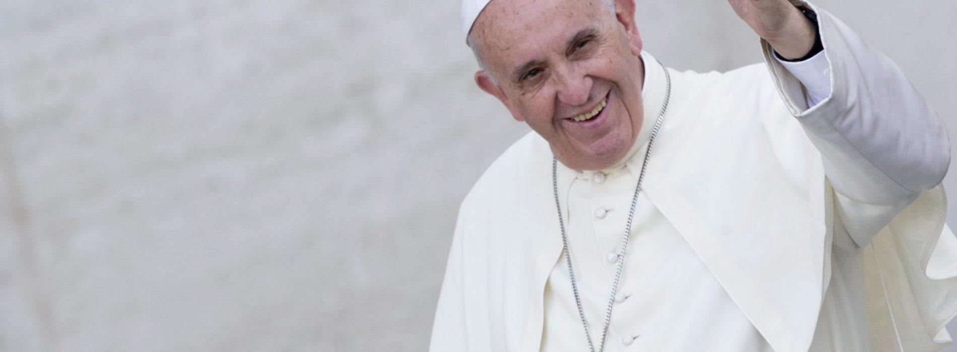 Habemus Papa(m)!  După 20 de ani, avem, din nou, un Sfânt Părinte pe pământ românesc