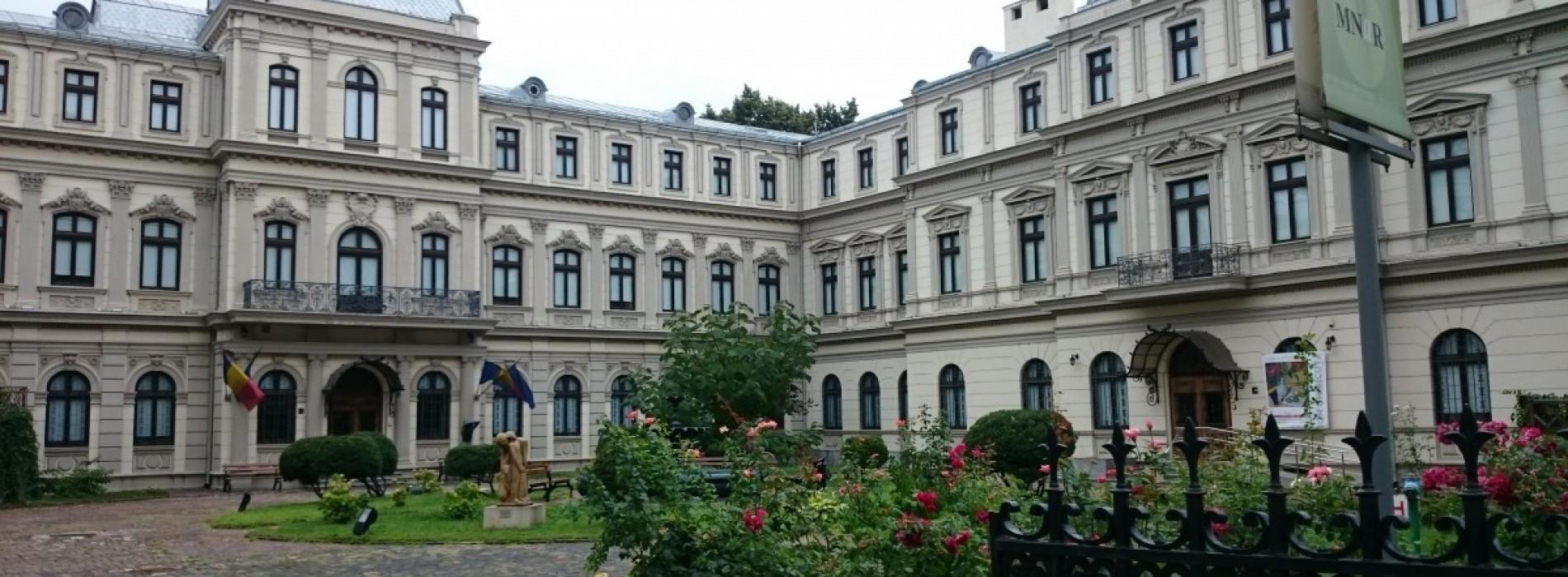 Muzeele din București sunt tocmai bune de vizitat